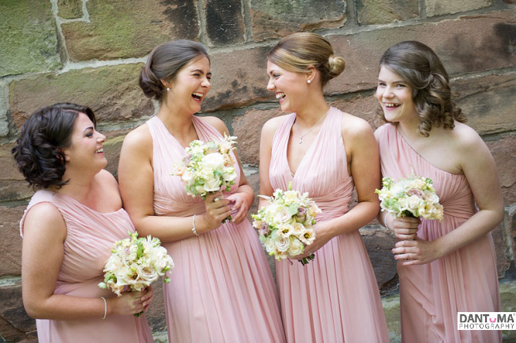 bridesmaids-at-st-boniface-banbury
